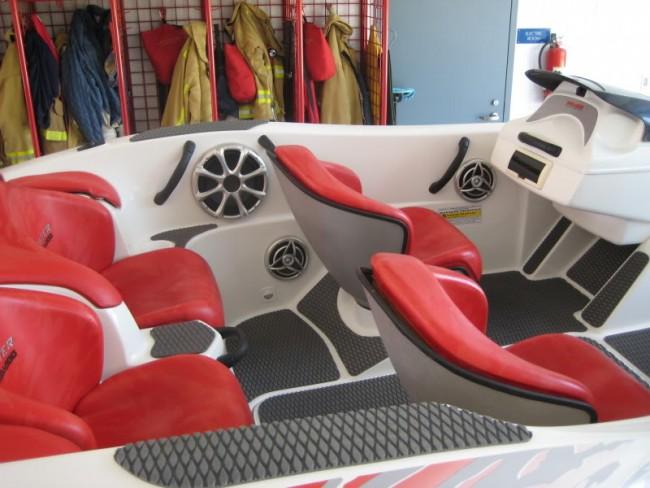 Black Grooved Sea-Doo Jet Boat Interior Traction Mats Speedster 1998-1999